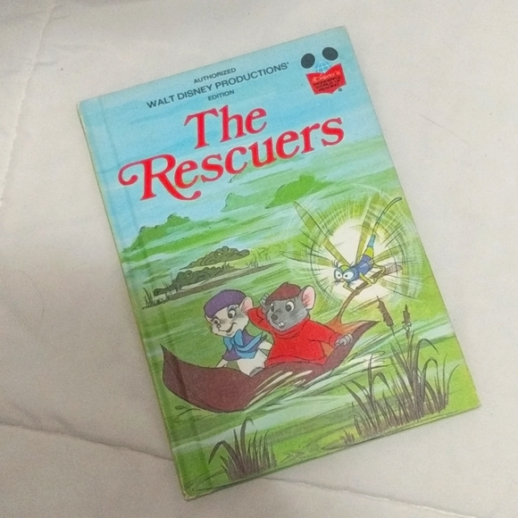 3/25 Vintage The Rescuers Book